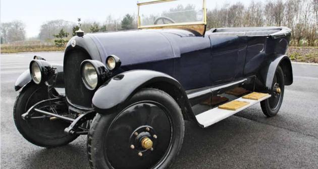 Jeden ze dvou vozů z dílny společnosti Ruston, který byl vyroben v roce 1923,  se díky Materials Solutions opět vrací na silnice