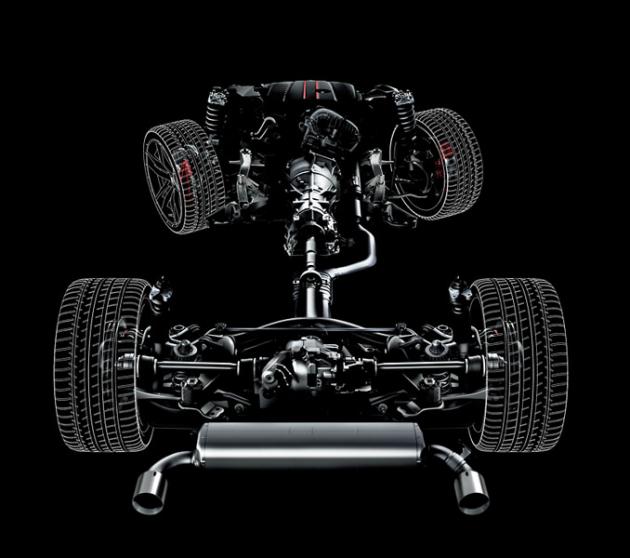 Šestiválcová Supra je standardně vybavena elektronicky řízeným diferenciálem. Pracuje proaktivně a optimálně se přizpůsobuje jízdní situaci