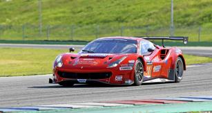 Absolutní vítěz brněnského závodu,  tedy Ferrari 488 GT3 týmu Bohemia Energy Racing with Scuderia Praha