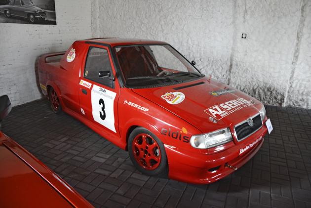 Původní Škoda Felicia Freestyle (122 k, 190 km/h) brněnského závodníka Rostislava Nedbálka, jeden ze40 vyrobených kusů z roku 1995
