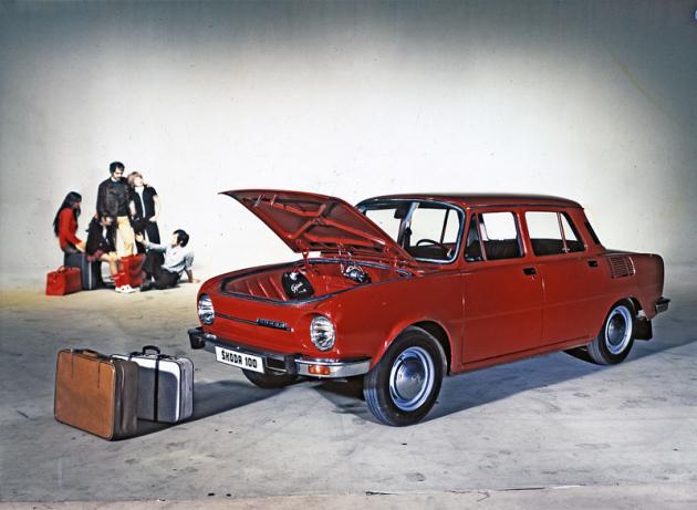 Vozy Škoda 100/110 měly v přídi 250 l prostoru pro zavazadla (Š100 model 1973)