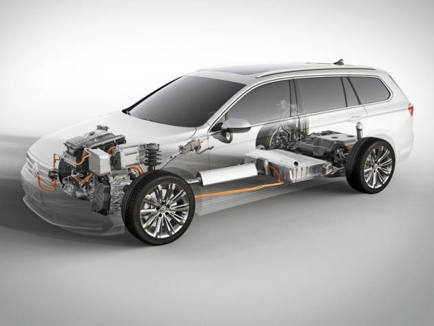 Plug-in hybridní verze Passat GTE dostala zvětšený akumulátor a některé další úpravy, nicméně celkový koncept zůstává zachován