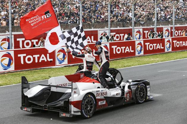 Vítězný vůz do cíle opět dovezl Nakajima; s Alonsem a Buemim dobyl titul mistra světa WEC 2018/2019