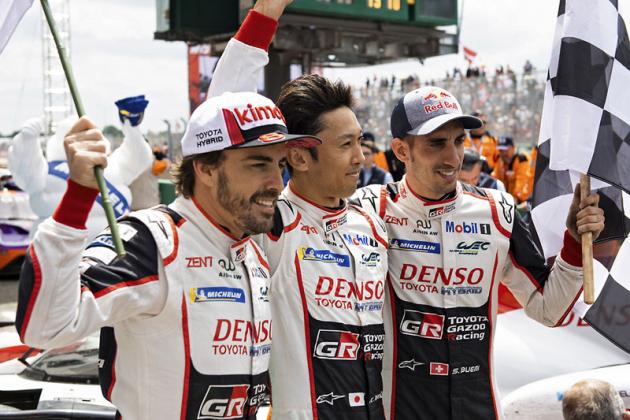 Stejní vítězové jako loni; zleva Fernando Alonso, Kazuki Nakajima a Sébastien Buemi