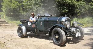 Ozdobou 1000 mil československých byl nádherný Bentley 4 ½ Blower zroku 1936 Tomáše Kalkuse