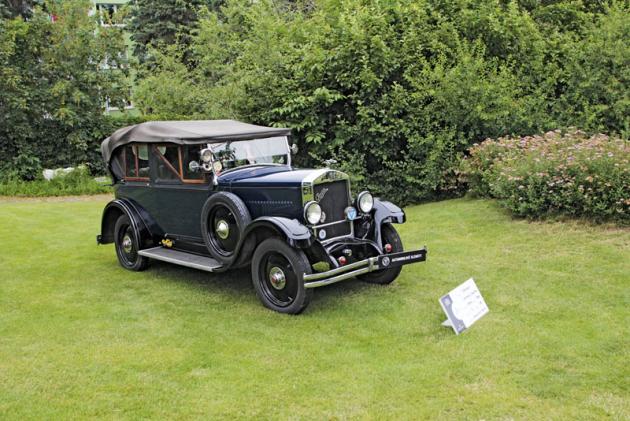 Mezi mnohými vozy Praga byl k vidění i velmi pěkný model Piccolo s karoserií Phaeton. Vůz pochází z roku 1928 a pohání ho litrový čtyřválec