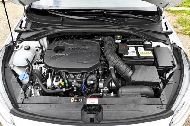 Použitý agregát vozu zajišťuje suverénní dynamiku na úrovni sportovních vozů