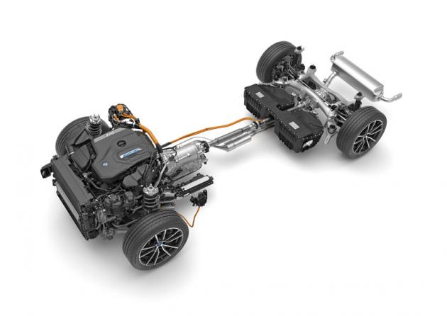 Plug-in hybridní poháněcí ústrojí dostalo větší akumulátor avýkonnější elektromotor
