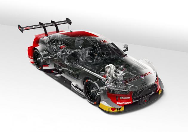 Průhled závodním Audi RS 5 DTM odhaluje nejen nový motor, ale také převodovku před zadní nápravou ačástečně také zavěšení kol