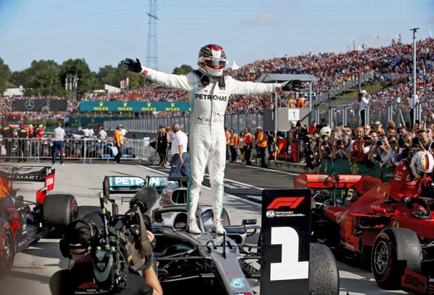 Vítězný Lewis Hamilton potvrdil svou vedoucí úlohu v mistrovství světa