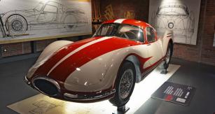 Fiat Turbina (1957), aerodynamický experimentální vůz s pohonem turbínou (300 k), 250 km/h