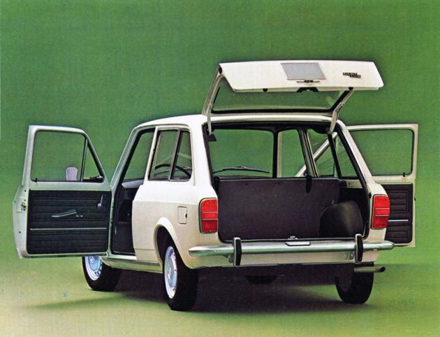 Třídveřové kombi Fiat 128 Familiare mělo premiéru na Turínském autosalonu 1969