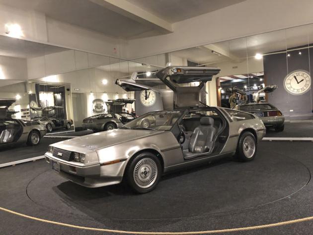 Jednou ze specialit a současně jedním z nejmladších vozů muzea v Nové Bystřici je DeLorean z roku 1982. Vystavený vůz je jediný dochovalý (vznikly dva) spřeplňovaným motorem 2,5 l V6