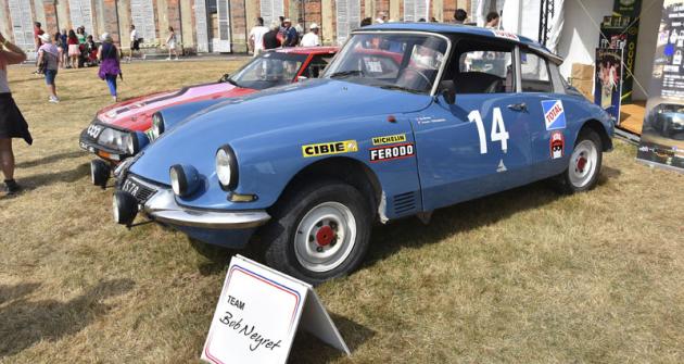 Rallyové speciály Boba Neyreta, Citroëny DS 21 a SM na stánku YACCO