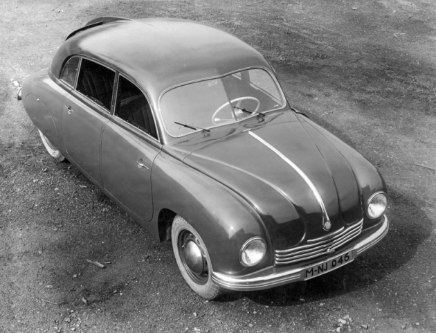 Jeden z pěti vozů T 2-107 alias Tatraplan, zhotovených v roce 1947