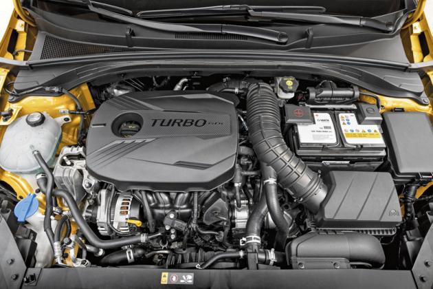 Nabídka motorů kopíruje standardní Ceed, čtyřválce lze kombinovat s dvouspojkovými automaticky řadícími převodovkami