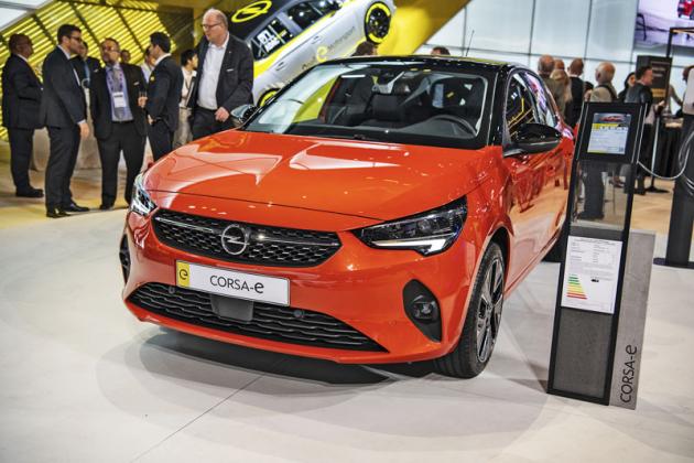 Opel Corsa-e sdílí techniku selektrickým Peugeotem e-208, akumulátory vyplňují podlahu vozu