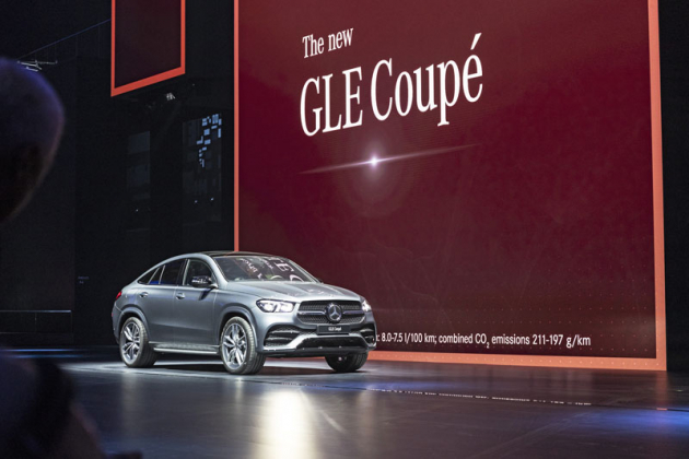 Mercedes-Benz GLE Coupe sází na sportovnější styl než standardní třída GLE, ve Frankfurtu se představila i verze AMG GLE 53 Coupe