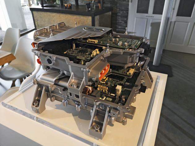 Nový, výkonnější akumulátor má vozu podle náročnější metodiky WLTP zajistit dojezd 311 km