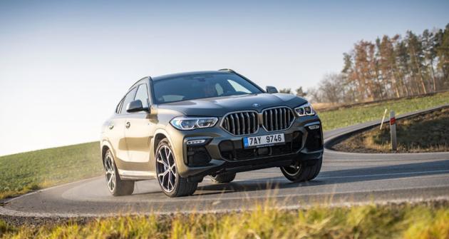 Přední část BMW X6 je na rozdíl od předchůdce, a stejně jako u první generace, odlišná od výchozího typu X5. S M sportovním paketem působí velmi suverénně