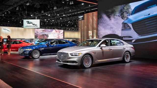 Nový sedan G90 byl hlavní hvězdou stánku Genesis, luxusní značky koncernu Hyundai