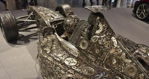 Na Motor Show jste mohli vidět i plechovou formuli 1 znejrůznějších nepotřebných součástek
