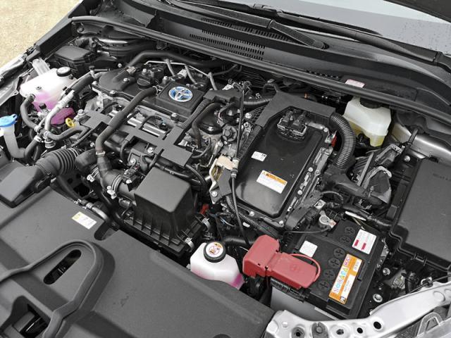 Hybridní soustava Toyota ve srovnání splug-in hybridními systémy zaujme nízkou reálnou spotřebou a pořizovacími náklady