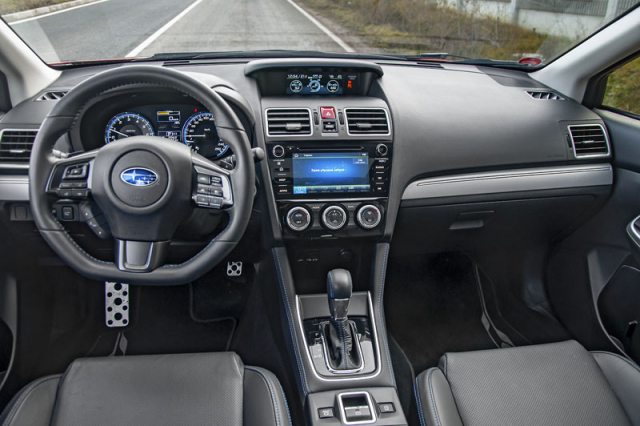 Ergonomie základních ovladačů je výborná. Pro modelový rok 2019 dostal Levorg nový multimediální systém. Ten kromě jiného zvládne Apple CarPlay i Android Auto