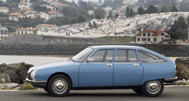 Robert Opron, který v čele centra designu Citroën nahradil Flaminia Bertoniho, vytvořil aerodynamický GS v čistém stylu značky