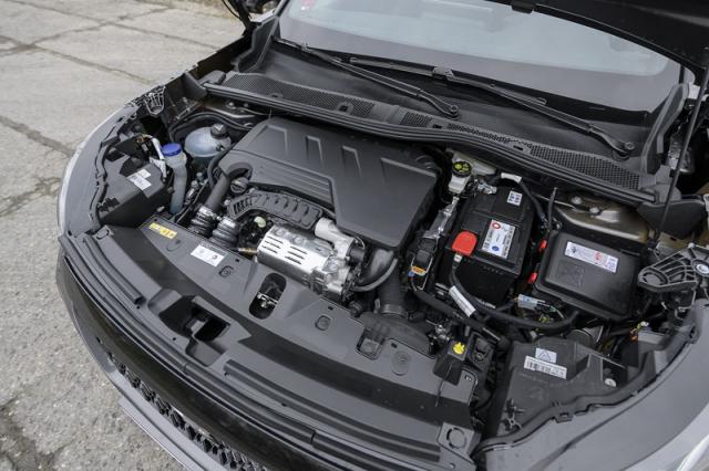 K pohonu jsou připraveny výhradně přeplňované motory, verze e-2008 bude mít elektromotor