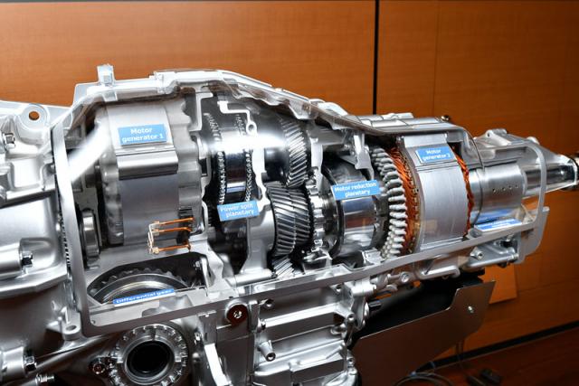 Kromě evropského e-Boxeru prodává Subaru v USA plug-in hybridní typ Crosstrek (XV) splanetovou soustavou podle principu Toyota