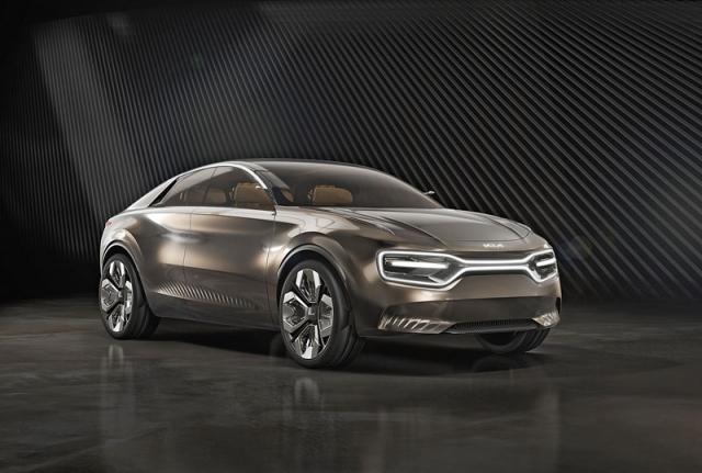 Propojení světlometů smaskou chladiče koncepčního vozu Imagine by Kia se bude v různých podobách objevovat na nových sériových vozech
