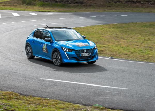 Peugeot 208 (viz AR 6 a 11/'19)