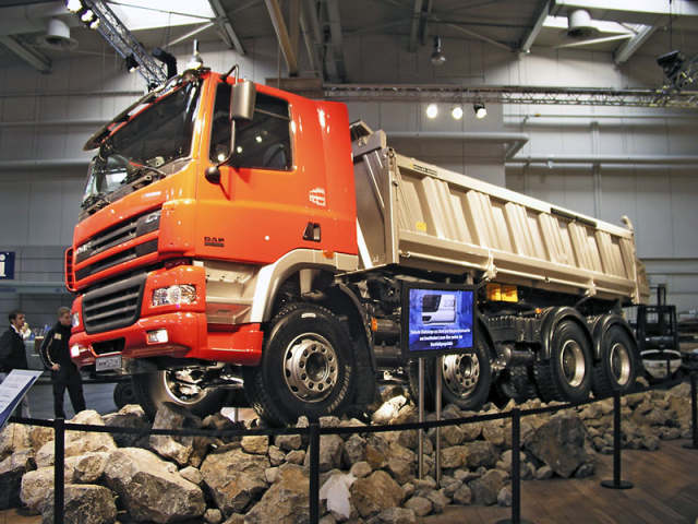 Těžká vozba DAF (CF 8x4)