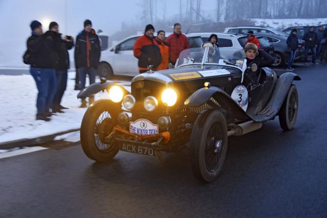 Bentley Derby (1935) s motorem objemu 3,67 litru přivezl do Brna Elliot Dale sCharlotte Ryallovou