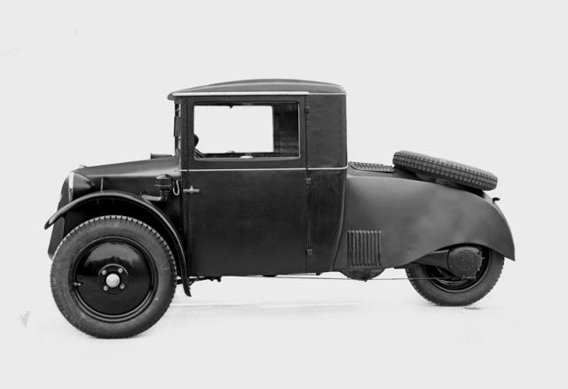 Osobní verze tříkolky Tatra 49 vznikla jen ve dvou nebo třech prototypech