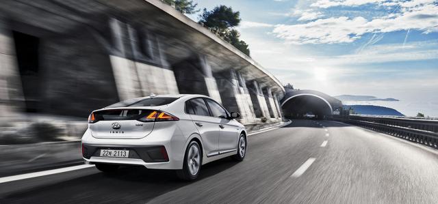 I v hybridní verzi sekladně projevuje minimalizovaný odpor vzduchu pětidveřové karoserie