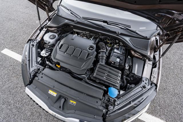 Kultivovaný vznětový motor 2.0TDI je kombinací dostatečného výkonu a nízké spotřeby i emisí