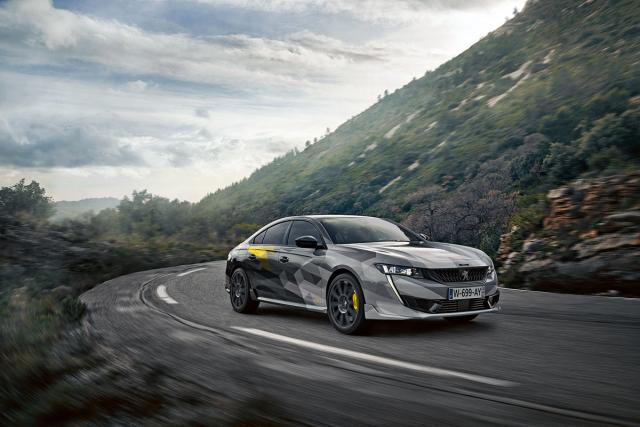 Vrcholem nabídky se stane plug-in hybrid 508 PSE (Peugeot Sport Engineered). Bude mít elektromotor také na zadní nápravě a výkon kolem 300 koní