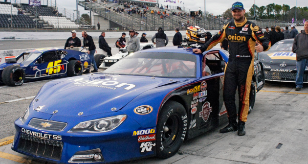 Martin Doubek (Chevrolet SS) před startem svého třetího závodu na oválu New Smyrna Speedway
