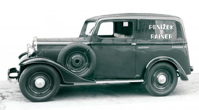 Junior coby pohledná dodávka na 250 kg nákladu s karoserií Leitner (1935)