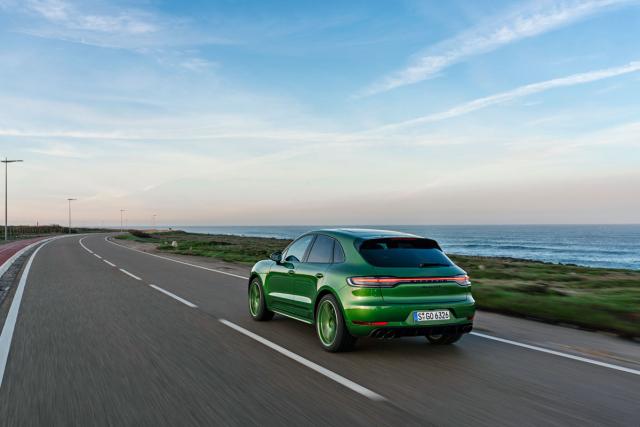 Toto poněkud výstřední barevné provedení ukazuje na široké možnosti individualizace, jež Porsche svým klientům nabízí