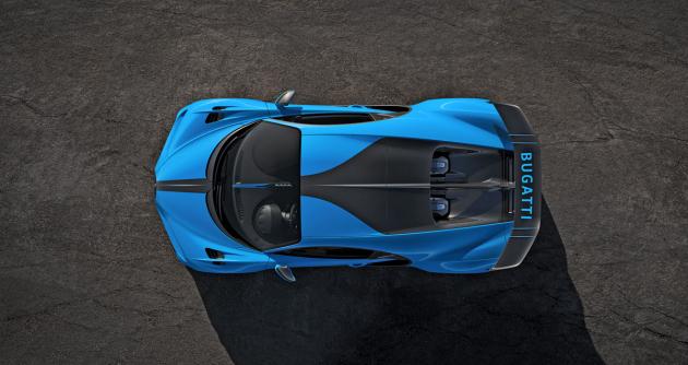 Verze Pur Sport se představila v typické modré. Černé prahy a části před zadními koly mají karoserii této verze opticky snížit