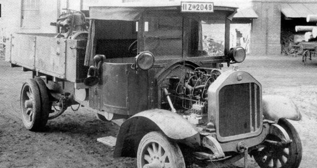 Jeden z prvních nákladních automobilů se vznětovým motorem, MAN z roku 1923, představený na IAA 1924