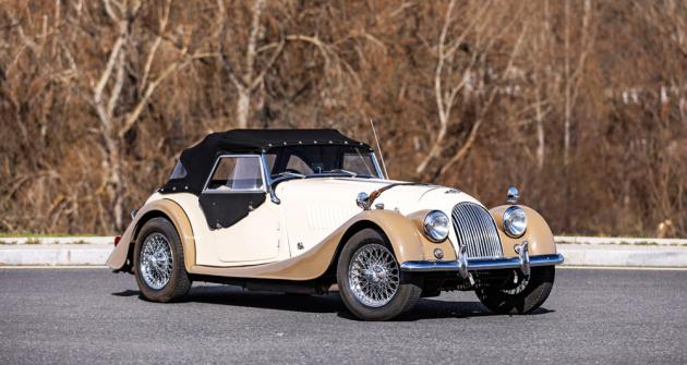 Morgan Plus 4 procházel vývojem, ale základní tvary se drží do současnosti