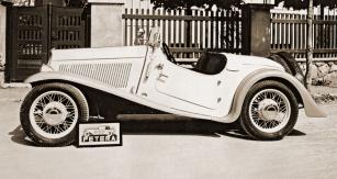Walter Junior SS, karosovaný v létě roku 1934 vrchlabskou firmou Petera