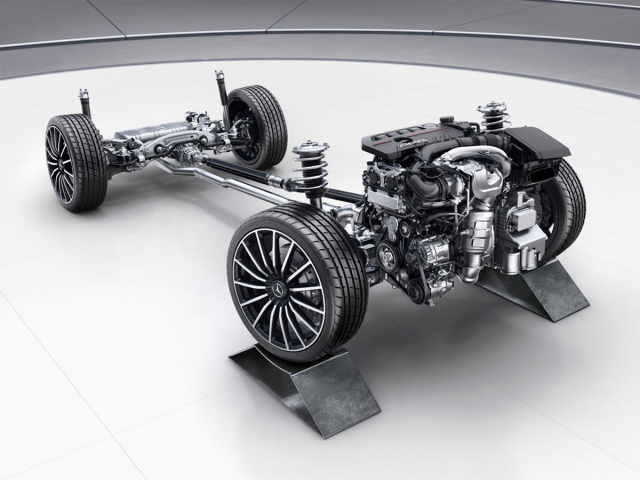 Pohon všech kol jestandardem umodelů AMG a na přání je připraven pro tři ze čtyř nabízených motorů