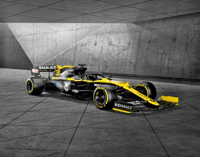 Monopost Renault R.S.20 pro formuli 1 rovněž využívá hybridní ústrojí abyl zdrojem poznatků při vývoji technologie E-Tech