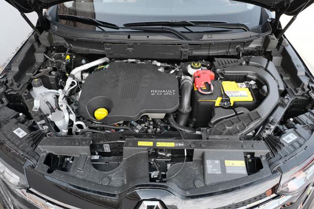 Vznětový dvoulitr má po úpravách kvůli normě Euro6d vyšší špičkový výkon, celkově však jeho dynamický projev zůstává za očekáváními