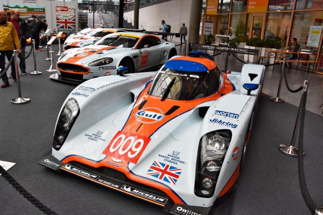 Team Prodrive upravil šasi Lola B09/60 LMP1 (2008), jež přestavěl na Lola Aston Martin B09/62, který se zážehovým motorem V12 6 litrů neměl proti turbodieselům Audi a Peugeot LMP1 šanci. Aston si to vynahradil roku 2011, kdy vyhrál čtyři závody American Le Mans Series, kde skončil celkově druhý
